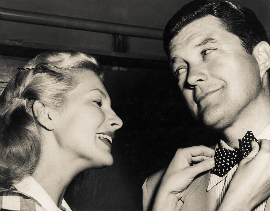 Chili Williams and Dennis Morgan